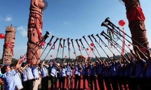 The Sanyuesan Festival bouyei