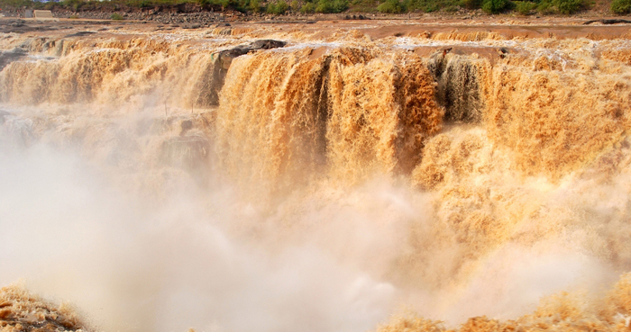 Hukou waterfall01